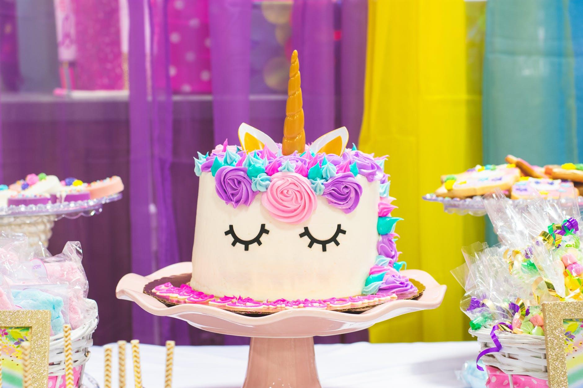 unicorn fondant cake